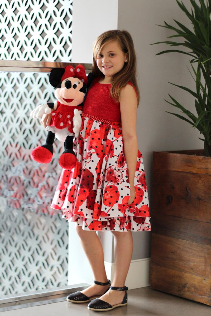 {Vestido Espaço Infantil / Alpargatas Reserva Mix / Minnie Regina Presentes}