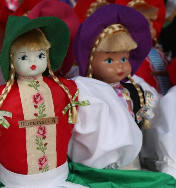Conheça as Bonecas Típicas do Sr. Osmar